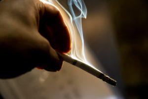 タバコの火