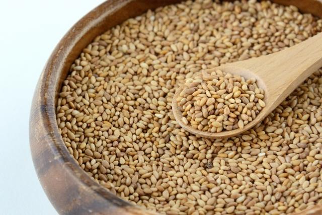 ゴマ【胡麻】|万能食品。ゴマ1粒がビタミンやミネラルの栄養庫!