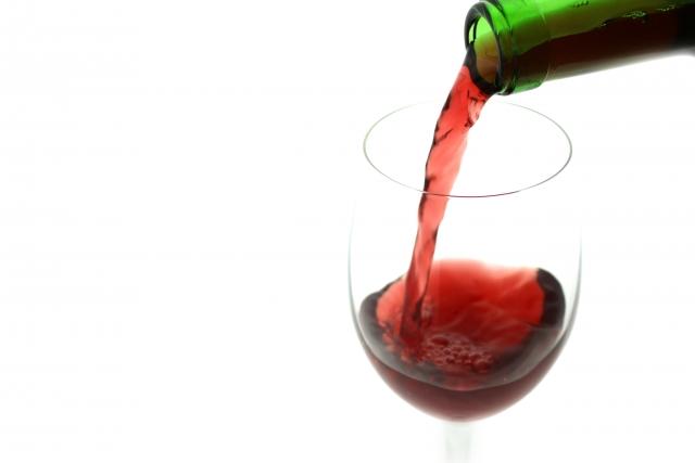 赤ワイン|抗酸化作用を持つポリフェノールが白ワインの約10倍