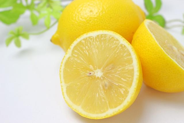 レモン【檸檬】|ビタミンCとクエン酸が疲労回復や風邪予防に効く