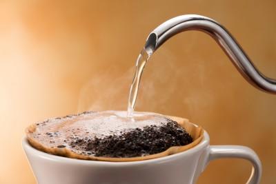 ペーパードリップの淹れ方~3つのポイントを覚えるだけ!手軽に揃えられる道具で最高のコーヒーを淹れる~