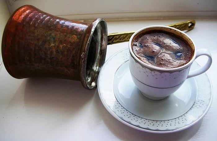 ターキッシュコーヒーを淹れる~イスタンブール発祥と伝わるトルコ式コーヒーと占い~イブリックで淹れる動画あり