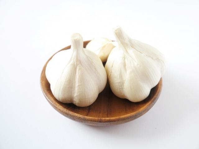 ニンニク【大蒜】|アリシンが滋養強壮に効くが、過食は厳禁