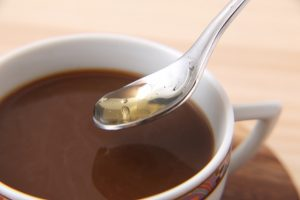 コーヒーにマヌカハニー