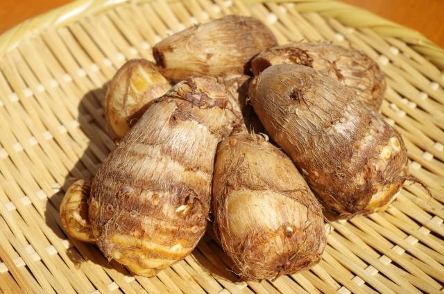 サトイモ【里芋】|ムチンが粘膜を保護、食物繊維が腸内環境を改善
