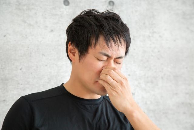 鼻づまりで眠れない時の5つの解消法|原因を知り対処する