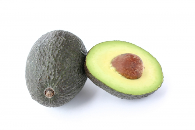 アボカド|森のバターとも呼ばれる高い栄養価。髪や肌の健康維持に