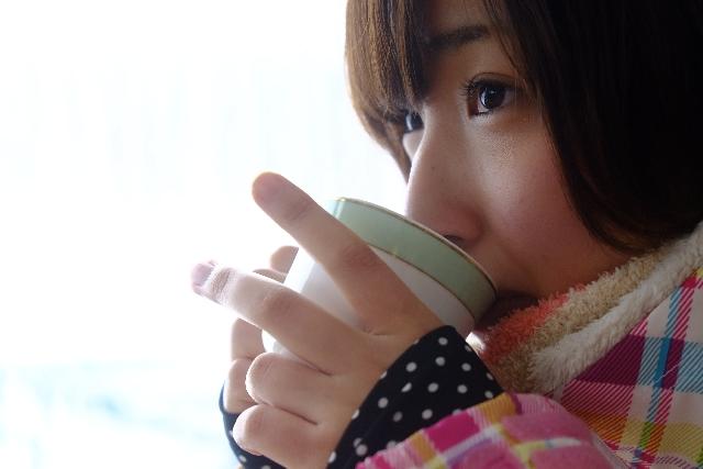 コーヒーのストレス軽減効果~ホットコーヒーは心も温める!?愛飲者には自殺が少ない理由~