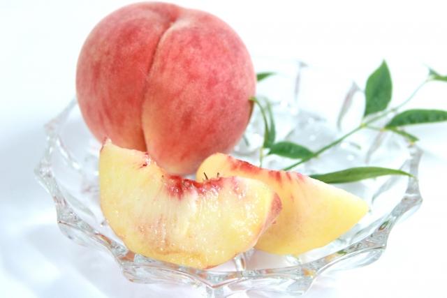 モモ【桃】|果実は腸内環境を整え、種は消炎、葉の煎じ汁は汗疹に