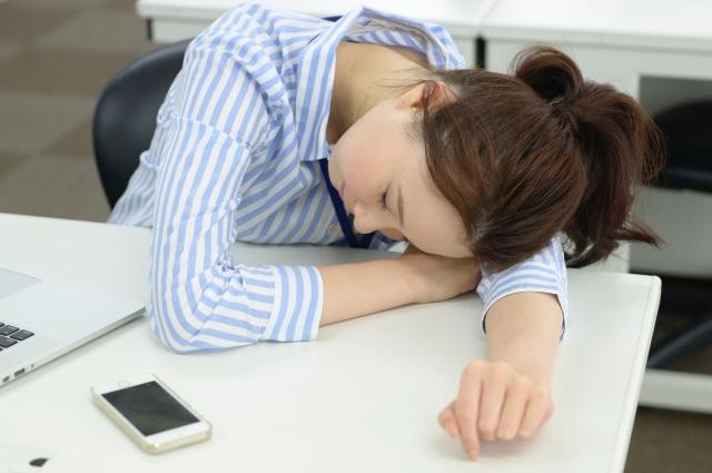 脳を活性化させる仮眠のとり方|ポイントを抑えて頭をリセット